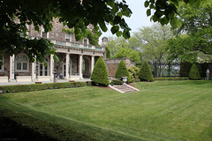 Garden: Kykuit (Canadian Pacific) Tags: park county usa newyork building art architecture america garden us estate unitedstates state outdoor arts american rockefeller westchester kykuit sleepyhollow tarrytown pocanticohills ofamerica aimg6413