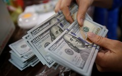 Greenback companies, greater yields help as markets ponder Fed outlook (majjed2008) Tags: support markets dollar outlook ponder higher firms yields