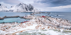 2016 | Hamnya II (etomsen) Tags: ocean schnee sea panorama mountain snow mountains colour berg norway tom landscape meer europa europe norwegen wideangle berge landschaft farbe lofoten lofotenislands weitwinkel engelhardt tomengelhardt