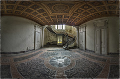 Free high-speed internet access is available in the the entrance hall... (Yamabxl) Tags: italy panorama abandoned stairs decay ghost corridor creepy forbidden hidden staircase forgotten urbanexploration derelict escalier hdr highdynamicrange dereliction verlassen urbex verfall abbandonato verlaten lostplaces urbexhdr villamargharita