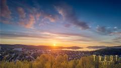 kirkenessun (deetay26) Tags: ocean sea sky sun norway nikon warm cityscape magic north midnight fjord finnmark kirkenes d610 1424 bkfjord