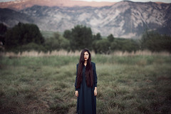 Girl with long hair and dress (Tania Cervin) Tags: portrait mountains green art girl beauty canon hair model dress fine longhair 85mm actress seleccionar taniacervianphotography