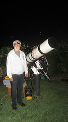 IMG_4933 JerryW with backyard telescope (SBAUstars) Tags: camera backyard july 7 mount telescope astronomy connection 2016 10inch newtonian sbau jerryw astroguysb