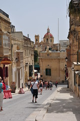 DSC_1430  It-Telgha Tal-Belt en Rabat (David Barrio Lpez) Tags: nikon europa europe mediterraneo malta ciudadela rabat gozo ghawdex d90 malto hospitalarios republicofmalta ordendemalta nikond90 mediterraneam davidbarrio orderofmalta ordendesanjuandejerusaln repubblikatamalta iittadella tuitiofideietobsequiumpauperum davidbarriolpez ittelghatalbelt