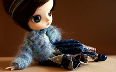 Dal_Delorean_006 (kira_cherkavskaya) Tags: dal delorean doll groove rewiged obitsu handmade outfitfordoll skirt polkadot blue mohair frill  boho mori blytheoutfit pullipoutfit