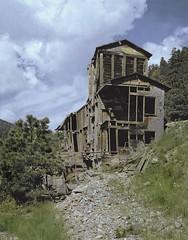 Ward mill (Rocky Pix) Tags: wardmill mountain mining mill columbialode goldmining days cabins ward boulder county colorado rockies rockypix rocky pix wmichelkiteley f22 ~ 120thsec 180mm 180mmschneidersymmar calumet4x5viewcamera 4x5 kodacolor tripod