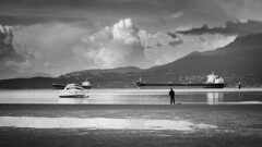 Warren Get Up (keater209) Tags: ocean white black mountains water look clouds boats harbor boat waiting tide low small away run can gas townscape bnw testblake
