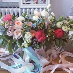 bouquets 02 (Flower 597) Tags: centerpiece corsage weddingflowers weddingceremony boutonniere bridalbouquet weddingbouquet weddingflower floralcrown weddingflorist ceremonyarch flower597 torontoweddingflorist
