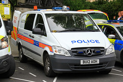 Metropolitan Police Mercedes Vito Explosive Ordinance Disposal Dog Van (PFB-999) Tags: dog colour wagon mercedes police disposal eod vehicle leds service van met section metropolitan explosive grilles k9 unit ordinance vito the mps trooping lightbars bu12aoh