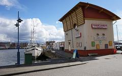 Kvarnpiren Hisingen (srchedlund) Tags: sailboat gteborg harbor segelbt pir gtalv hisingen resturang srchedlund fiskhusetsvanen kvarnpiren