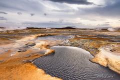 Un autre Monde (Rouz 29) Tags: sky color landscape iceland ciel planet couleur cpl islande solfatare boue plante namafjall irrel polarisant hverir fumerolle maredeboue erwanlerouxnikonnikkormarumileefilters