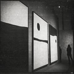 Miró (*altglas*) Tags: art 6x6 analog zeiss mediumformat frankfurt peinture expired folder miró expiredfilm superikonta schirn joanmiró tessar mittelformat 53316 svema svema64