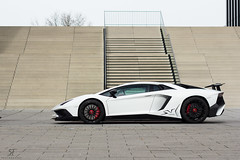 Aventador SV (S.F. Photography) Tags: sf street city light white building cars colors car wheel canon germany deutschland photography lights nice automobile driving power traffic spiegel parking wheels automotive views nrw popular dsseldorf lamborghini supercar sv awd fwd exhaust sportscar spoiler sportscars horsepower supercars facebook hoya lambo automobil reifen rwd felge felgen polarisation pferdestrken hypercar hypercars superveloce pferdestrke 18mp aventador sfphotography lp750 aventadorsv lp7504