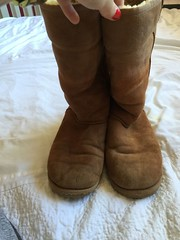 s-l1600 (14) (a.r.m.c) Tags: ugg boot worn used trashed hole