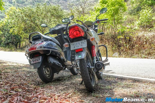 Honda-Activa-vs-Hero-Splendor-10