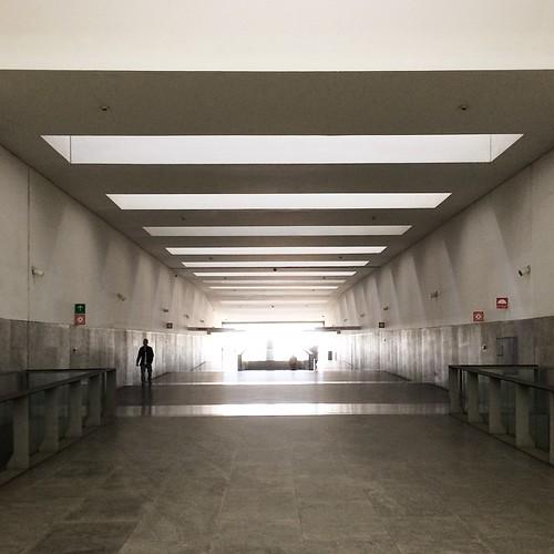 infinity | #windows #urban #interior #igersporto #igersportugal #p3top #porto #portugal #portoalive #portuguese #PortugalComEfeitos #atrium #architecture #arquitectura #simmetry #stone #fluidity #gallery #geometry #geometry #guardiancities #light #corrido
