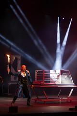 Ednovi fire spiker 2 (MagoEdnovi) Tags: show méxico de el lo mago magician imposible ilusionist ilusionista ednovi