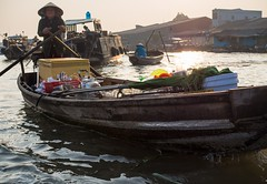 floating market of Cn Th (grapfapan) Tags: morning people river boat market vietnam mekongdelta mekong riverlife