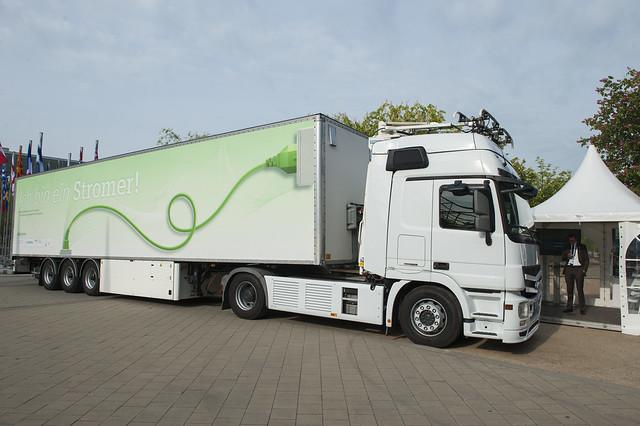 Siemens displays their Green truck