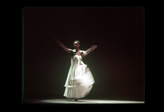 ss28-14b (ndpa / s. lundeen, archivist) Tags: show woman color film boston female dance dancing stage massachusetts nick performance slide dancer slideshow mass 1970s performers alvinailey dewolf early1970s nickdewolf photographbynickdewolf alvinaileydancers slideshow28