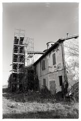 RIVALTA (RE) | Quel che resta... (Bariom) Tags: impalcatura chiesa biancoenero rudere esterno abbandono rivalta