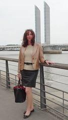 Along the Garonne river / Le long de la Garonne (french_lolita) Tags: black leather gold skirt jacket