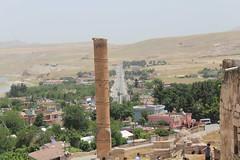 road and tower (laedri52) Tags: road tower turkey way ancient trkiye turkiye batman yol southeastern kule hasankeyf tarihi gneydou