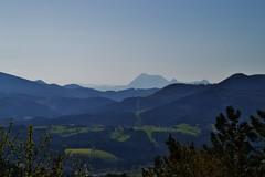 Cortafuegos (Santi Laespada) Tags: mountains bizkaia euskalherria basquecountry caminosantiago mendiak urkiola anboto gerekiz