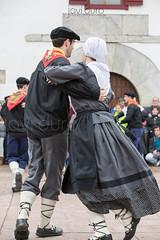 Bolantes de Valcarlos 4 (javidurojimenez) Tags: dance folklore baile navarra tradicion dantzari valcarlos bolantes