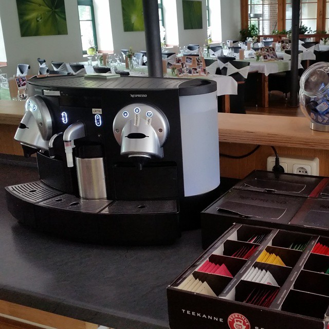 "#HummerCatering #Nespresso #Kaffeemaschine #mieten #Kaffeecatering http://goo.gl/YqYr5q • <a style=""font-size:0.8em;"" href=""http://www.flickr.com/photos/69233503@N08/17154486500/"" target=""_blank"">View on Flickr</a>"