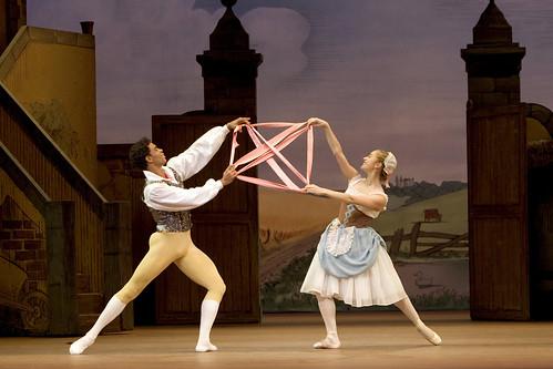 La Fille mal gardée Dance Highlight: The Pas de ruban (Ribbon dance)
