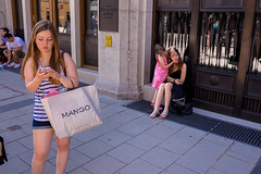 . (www.piotrowskipawel.pl) Tags: street city girls woman girl germany mnchen bayern deutschland child play streetphotography smartphone wifi colorstreetphotography pawepiotrowski piotrowskipawelpl