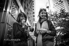 MONO9124 (H.M.Lentalk) Tags: life street leica city people urban white black girl photography fotograf fotografie photographer oz f14 28mm 14 sydney australian australia m 28 aussie summilux asph 114 240 typ summiluxm 11428