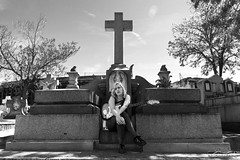 Just wait (Tsundere_Tikor) Tags: music black cemetery rock dead peace bass guitar escenario cementerio tomb guitarra tombstone paz tumba musica vocalist rest whit vocalista tranquilidad