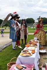 Vaux-le-Vicomte, Journe Grand-Sicle 2016 (Micleg44) Tags: portrait france costume chateau iledefrance djeuner seineetmarne 2016 vauxlevicomte piquenique maincy grandsicle