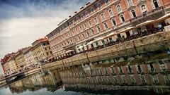 Triest / Italie (jo.misere) Tags: grandecanal triest italie reis istrie water reflectie reflection spiegeling kade schuin terrassen