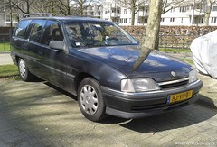 Opel Omega A2 station 1994 (HJ-VH-61) (MilanWH) Tags: station omega 20 1994 enschede a2 opel sidecode5 hjvh61