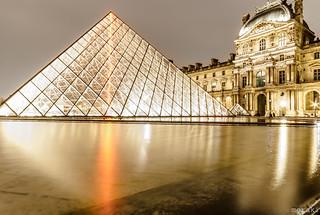 LaPyramideDuLouvre,Paris