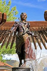 Nellie Pucell Unthank, SUU Campus, 5 April 2015 (1) (Bob Palin) Tags: 15fav usa statue bronze canon utah mormon pioneer ironcounty cedarcity club100 100vistas instantfave canonef24105mmf4lisusm jerryanderson ashotadayorso nelliepucellunthank suucampus orig:file=2015040500793adjust600