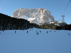 Val Gardena (Leo-set) Tags: winter italy grden ita dolomites dolomiti valgardena dolomiten wolkenstein trentinoaltoadige dolomiitit   planinpassiria