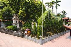 Gardens (hmak0) Tags: travels nikon asia wideangle tokina vietnam explore perfumepagoda northvietnam 1116mm d5100