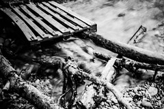 instabile (AOP fotografia) Tags: white black water monochrome 35mm river mono movement italia branches filter nd trunk fujifilm balance passage fujinon bianconero 1000 unstable slips piave passaggio unbalance 23mm xt1