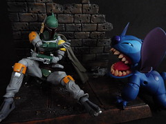 """Back away monster!"" (Matheus RFM) Tags: starwars stitch disney bobafett kaiyodo lilostitch revoltech"