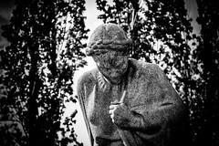 """Mutter Heimat"" [Figure Shot] (DOKTOR WAUMIAU) Tags: blackandwhite berlin blackwhite nikon sigma lightroom blackandwhitephotography sowjetischesehrenmal ishootraw d7200 vscofilm"