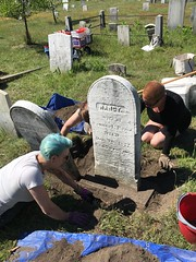 20160618_2613 (Spirits Alive at the Eastern Cemetery) Tags: by sarah headstone conservation h kelly marble rand doggett 2016 easterncemetery nancyrand spiritsalive 20160618