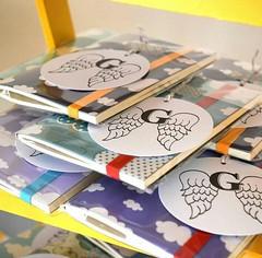 Cadernetas Nuvens + Tags (Projetos em Papis :: BH :: Brasil) Tags: clouds notebook tag stamp nuvens anjo carimbo chdebeb delicadeza lembrancinha caderneta asadeanjo bailaletra