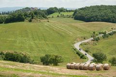 Crete Senesi (lucky5.1) Tags: road green landscape mai crete rollinghills senesi landstrase