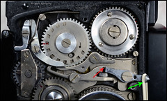 Kalloflex Transport & Counter Mechanism (13) (Hans Kerensky) Tags: kowa kalloflex transport stop counter mechanism gears working function overview problem repaired mystery button double exposure