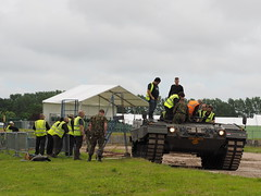 Leopard 2 with seats (Megashorts) Tags: uk 2 england museum war tank military olympus leopard armor dorset pro fighting armour armored f28 tankmuseum omd bovington em1 armoured 2016 40150mm bovingtontankmuseum mzd tankfest thetankmuseum bovingtonmuseum tankfest2016
