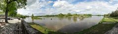 L'Ecluse de Mantelot @ Chtillon sur Loire (Hlne_D) Tags: panorama france photoshop river lock centre rivire loire fleuve loiret ecluse canallatrallaloire chtillonsurloire eclusedemantelot hlned